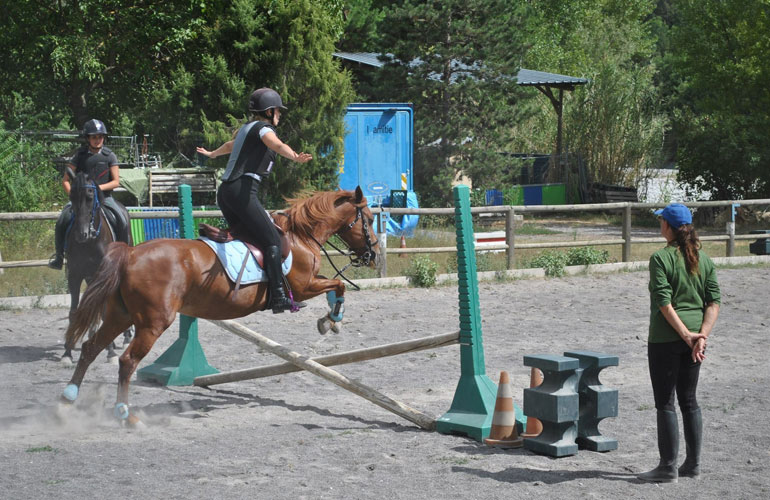 centre-equestre-touet-domaine-amitie-obsstacles